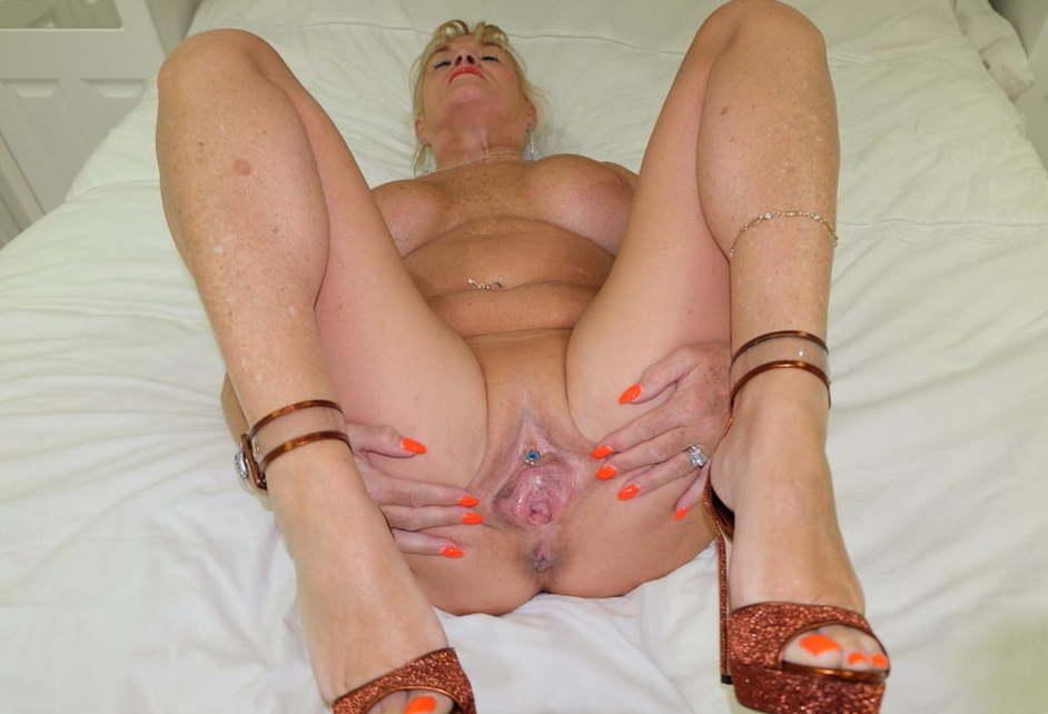 Mature sex woman girl